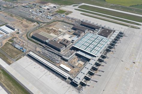 """Luftbildserie Baustelle des Flughafens Berlin Brandenburg BER """"W"""