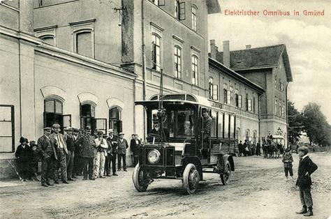 trolley-bus-1