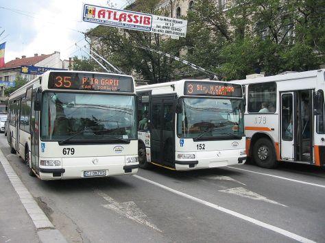 trolley-bus-4